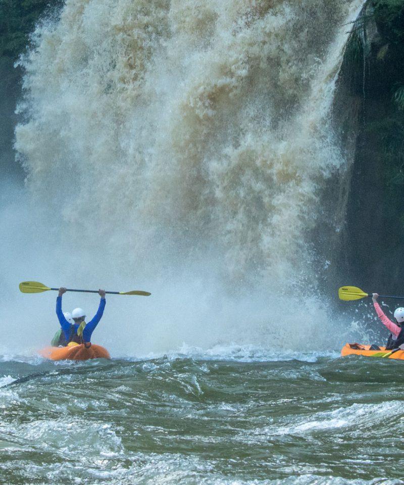 Inflatable Kayak Jondachi River   Rafting the Jondachi with waterfalls